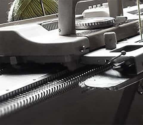 glossaire-de-la-maille-machine-a-tricoter-textileaddict
